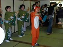 舞踏団HARUNAショー開催!<アクティブライフ中町倶楽部>_c0107602_1017112.jpg
