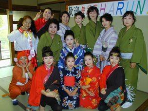 舞踏団HARUNAショー開催!<アクティブライフ中町倶楽部>_c0107602_10173434.jpg