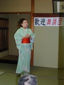 舞踏団HARUNAショー開催!<アクティブライフ中町倶楽部>_c0107602_1095380.jpg