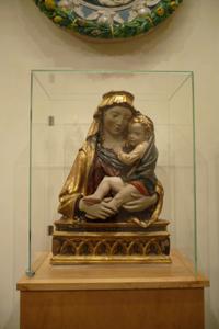 フィエーゾレの聖母子_f0106597_1612834.jpg
