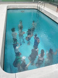 濡れないプールで遊ぶ の巻_c0053520_15465054.jpg