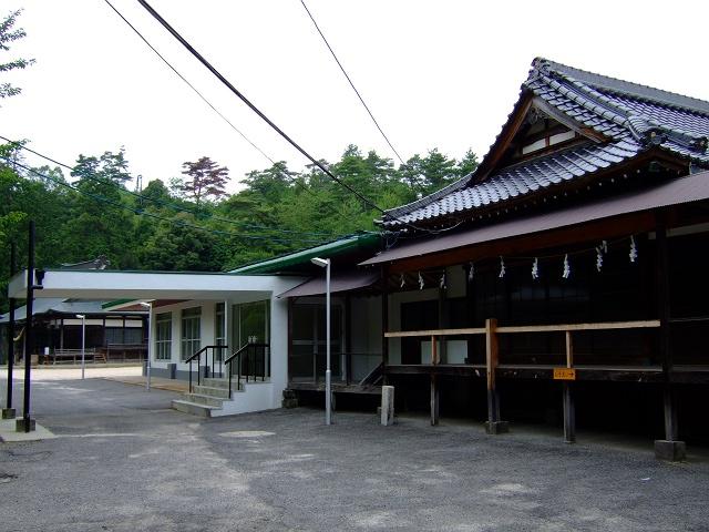 榊山神社その1 神殿_b0095061_20133613.jpg
