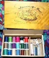 可愛い糸箱_a0033474_2414733.jpg