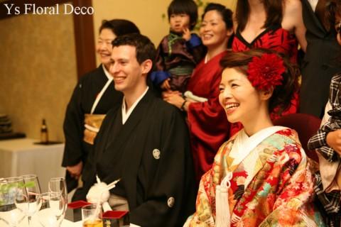 和装のヘッドドレス 赤いお花で_b0113510_163815.jpg