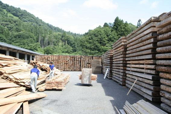 緑の森 木材工場(重川材木店) 2_e0054299_23402383.jpg
