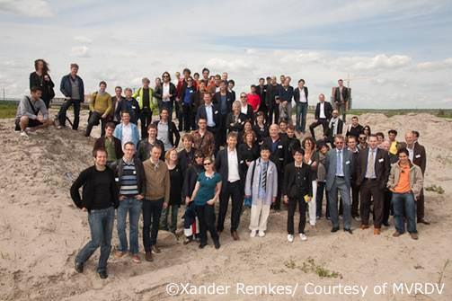 090804 MVRDVのマスタープランに国際的な建築家24チームが集結_f0202414_16254839.jpg