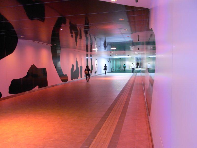 名古屋で異次元空間発見_c0025115_2235559.jpg