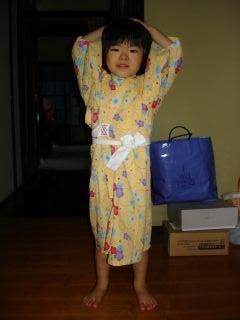 マコの浴衣、小さくなっちゃった!_e0166301_9144616.jpg