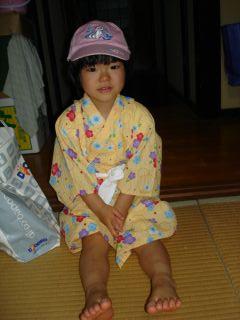 マコの浴衣、小さくなっちゃった!_e0166301_921524.jpg