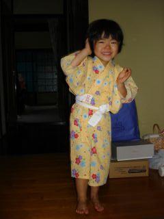 マコの浴衣、小さくなっちゃった!_e0166301_9293663.jpg