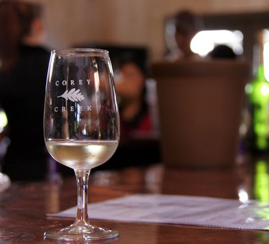 ロングアイランドのワイナリーで、美味しいワイン・テイスティング_b0007805_10572689.jpg