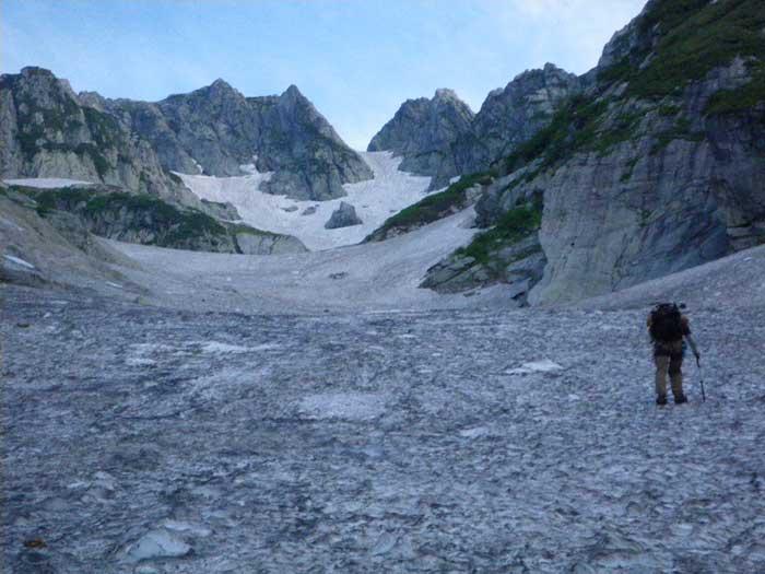 梅雨のすきまを狙って剣岳へ。_e0189446_1951269.jpg