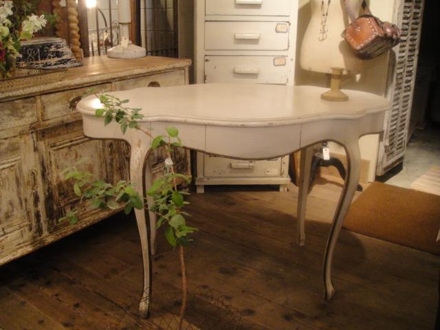 テーブル、テーブル、テーブル!_b0159549_15192535.jpg