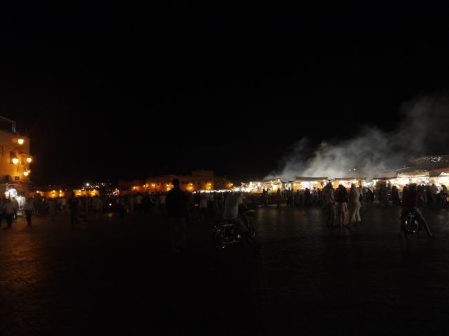 モロッコ3 広場と屋台_a0042928_6465027.jpg