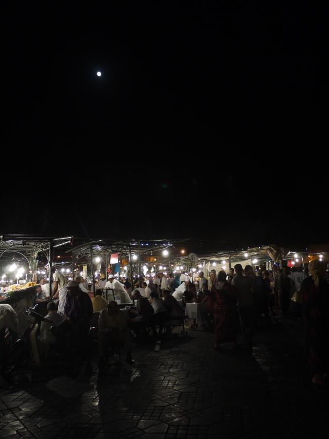 モロッコ3 広場と屋台_a0042928_6471216.jpg