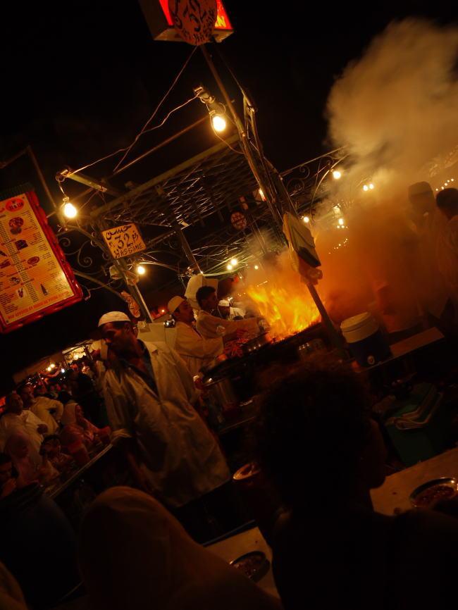 モロッコ3 広場と屋台_a0042928_647325.jpg