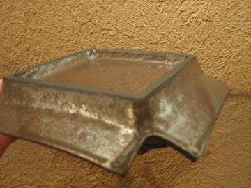 山本哲也さんの金属のような皿_b0132442_18165988.jpg
