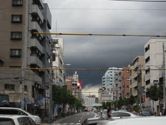 黒い雲_f0141609_22565138.jpg