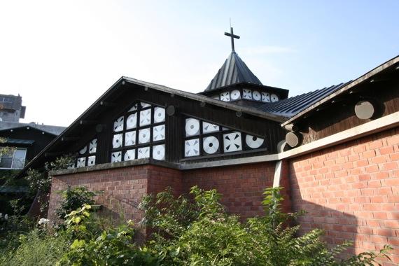 新発田カトリック教会_e0054299_13445474.jpg