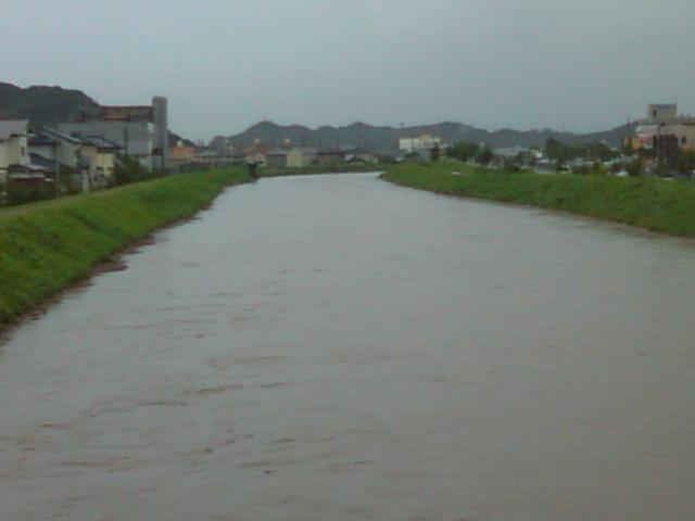 台風9号で矢田川増水、船戸川仮設ポンプが稼働_e0068696_10565022.jpg