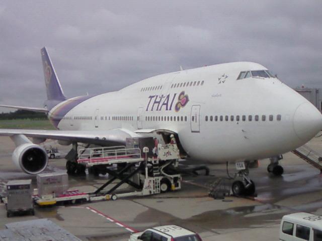 乗る飛行機はこれ_a0028350_10291657.jpg