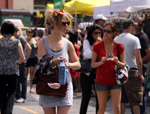 真夏のストリート・フェア_b0007805_10195581.jpg