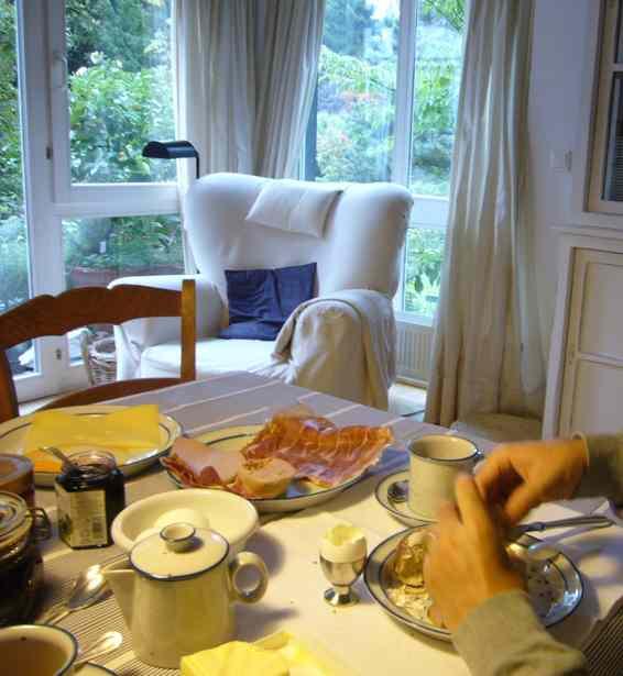 ドイツの朝ご飯 04 家庭の朝ご飯_a0116902_1443339.jpg