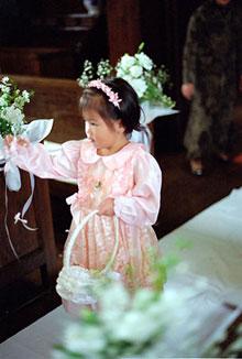 東京 高輪教会 会場装花2 *かすみ草とヴァージンロード_a0115684_20412465.jpg