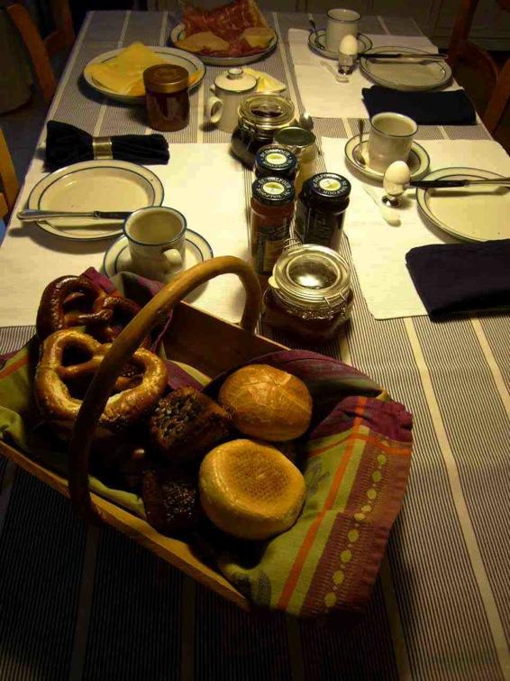 ドイツの朝ご飯 04 家庭の朝ご飯_a0116902_15242676.jpg