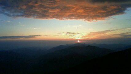 五時20分すぎ 太陽が出ました。_c0089831_5541535.jpg