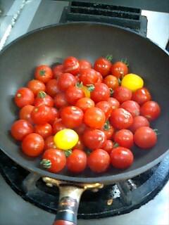完熟トマトの赤_d0027486_7354976.jpg