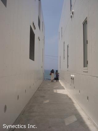 090818 お盆の湘南海水浴&建築散歩−2_f0202414_4293143.jpg