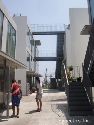 090818 お盆の湘南海水浴&建築散歩−2_f0202414_429667.jpg