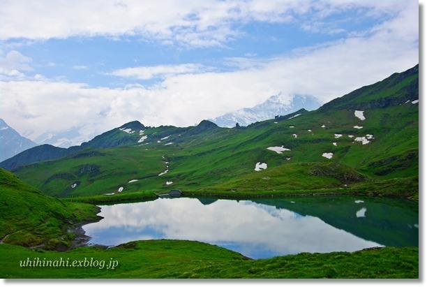 スイスアルプスの山上湖 バッハアルプゼー_f0179404_2122434.jpg