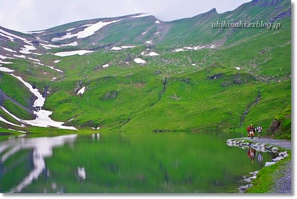 スイスアルプスの山上湖 バッハアルプゼー_f0179404_21264391.jpg
