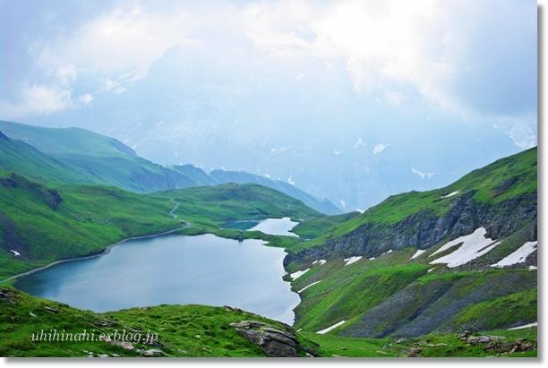 スイスアルプスの山上湖 バッハアルプゼー_f0179404_21284084.jpg