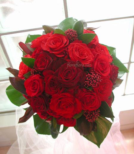 紅バラのグラデーション  シックなラウンドブーケ* 横浜ホテルニューグランドさまお届け_a0115684_1272745.jpg