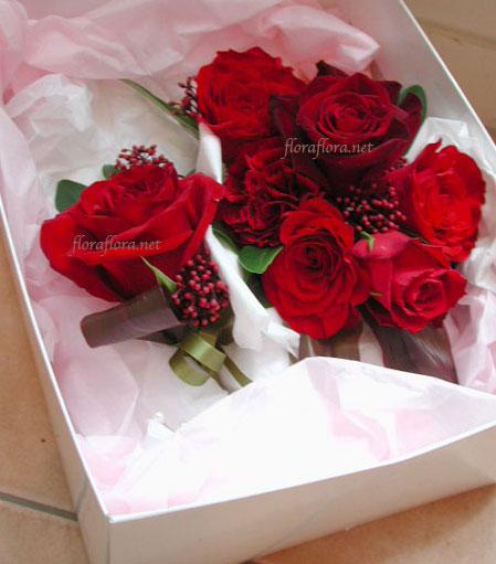紅バラのグラデーション  シックなラウンドブーケ* 横浜ホテルニューグランドさまお届け_a0115684_1275496.jpg