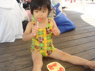 マコ、呉ポートピアのプールに行ったよ!_e0166301_1525038.jpg