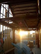 建築現場の夕陽