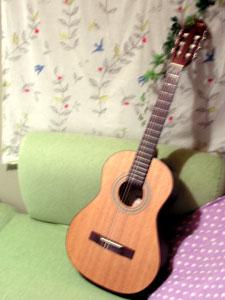 ギターを借りました♪_f0143412_2053061.jpg