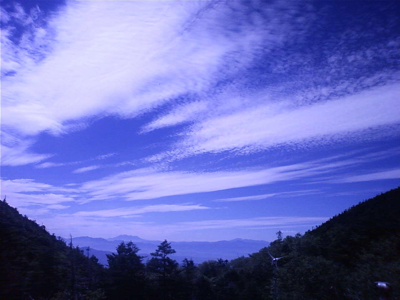 屋根から西のほう The view of the west from a roof_e0155231_1433972.jpg