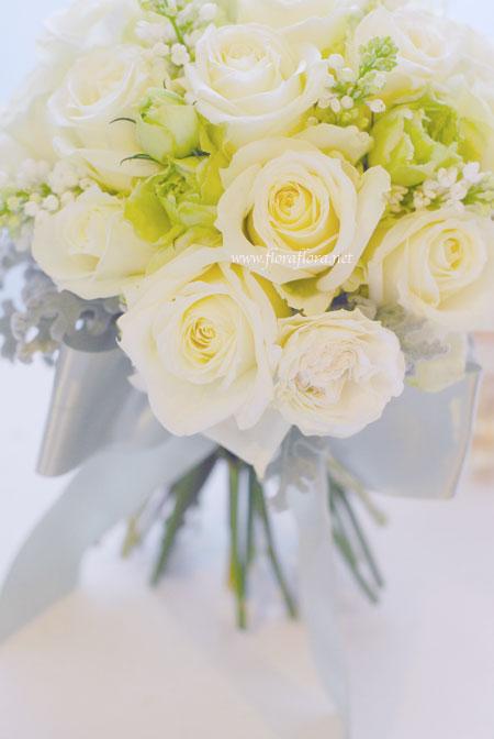 バラ*アヴァランチェとライラックのシンプル&ノーブルブーケ_a0115684_21113100.jpg