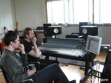 原田知世アイスランド・レコーディング、その2:アットホームなスタジオでの1日目_c0003620_13433565.jpg