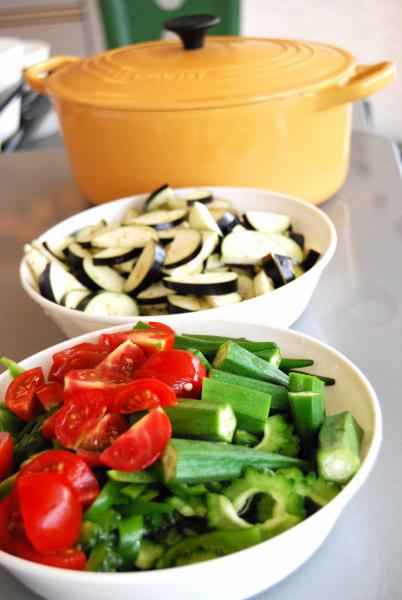夏野菜たっぷりカレー_c0122889_1238261.jpg