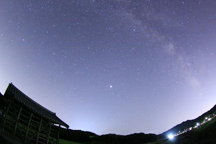 秋空に映えるいぶし瓦・・・day&night☆_b0168041_19403038.jpg