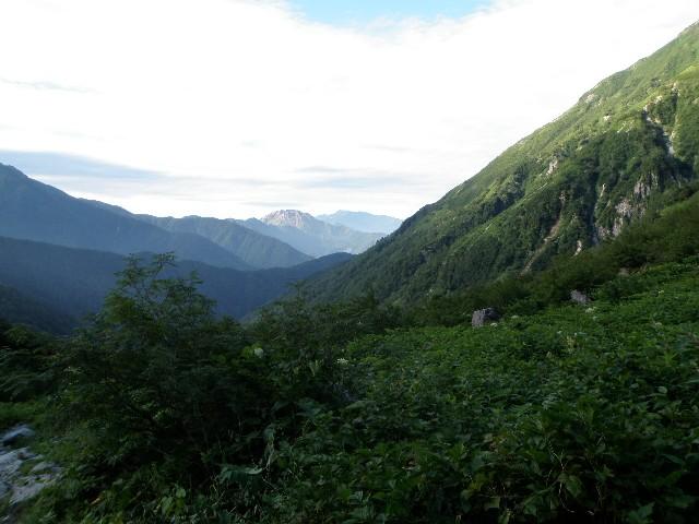 夏山登山ツアー 「北アルプス、黒部源流」 参加19名_d0007657_82469.jpg
