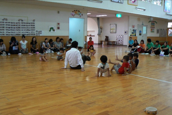 幼稚園と中学校_b0068572_072538.jpg