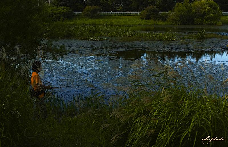 あいの里公園トンネウス沼の釣り人_b0181889_8173984.jpg