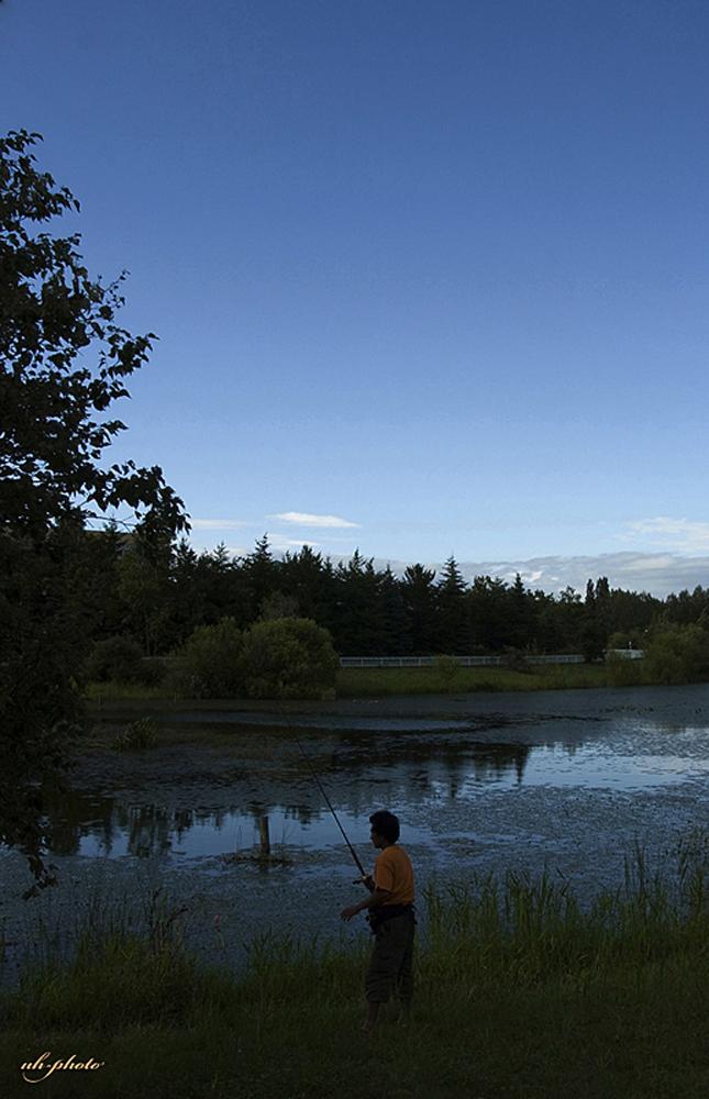 あいの里公園トンネウス沼の釣り人_b0181889_8185725.jpg